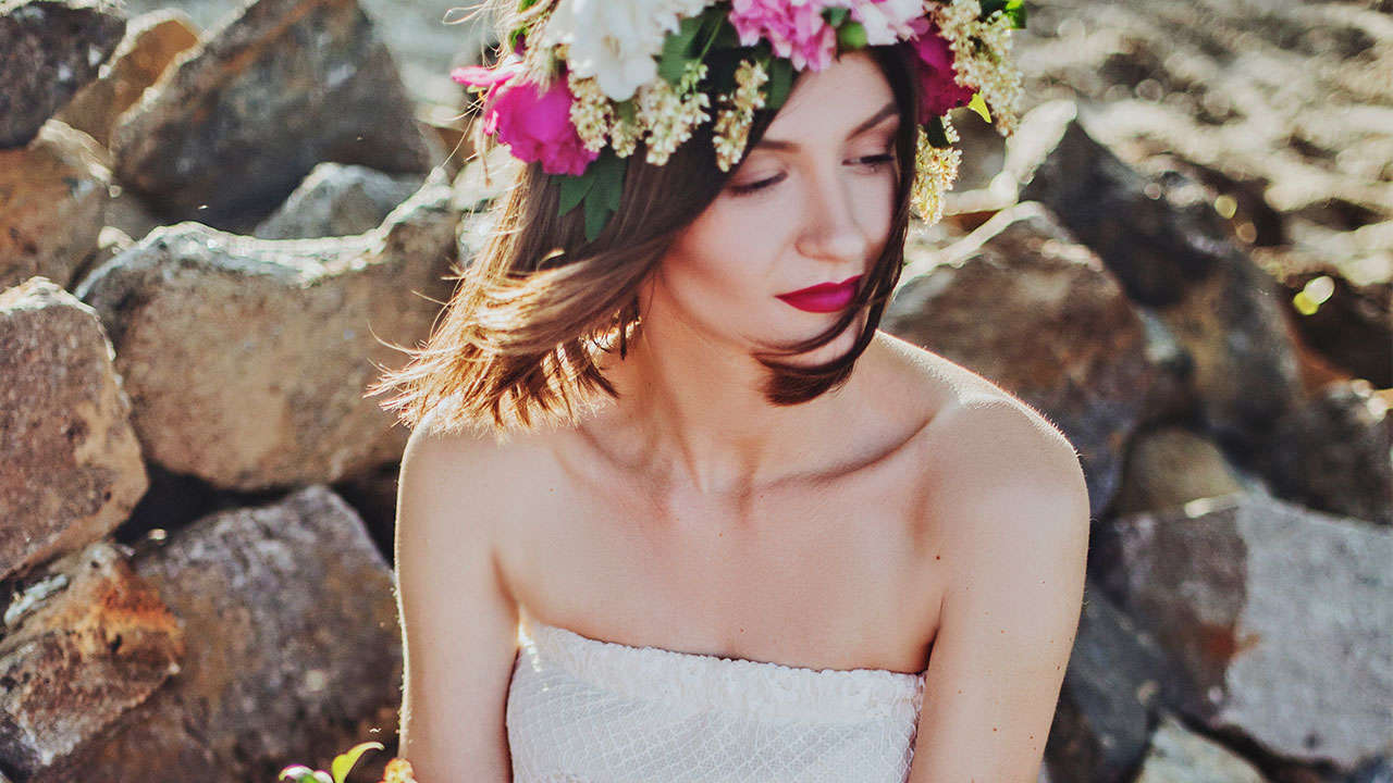 3 Unconventional Bridal Makeup Looks You Can Try